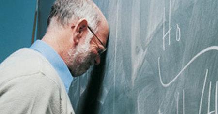 Nyílt levélben tiltakoznak a Janus Pannonius Gimnázium tanárai az új NAT ellen